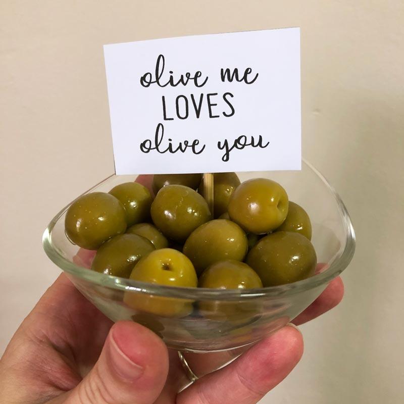 Printable food platter puns: Olive me loves olive you